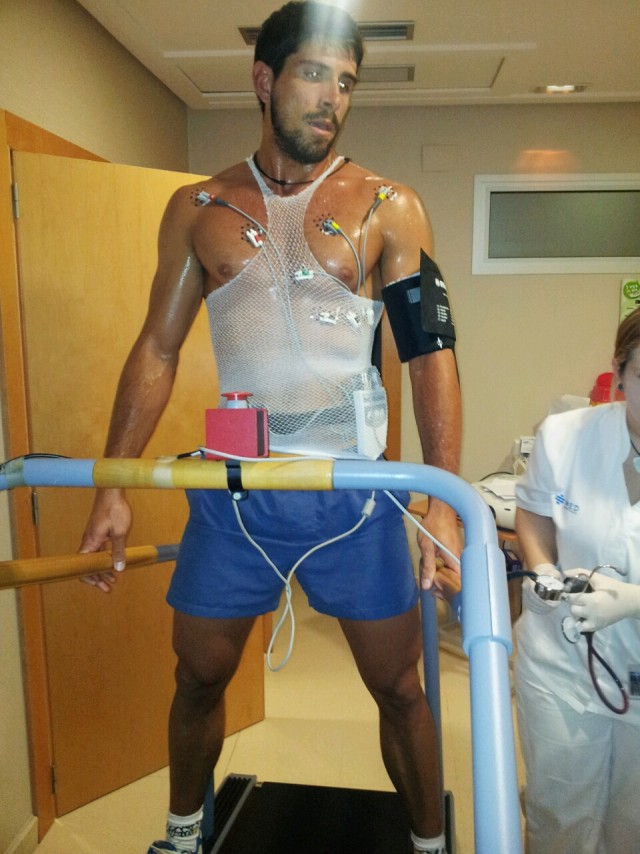 Christian García realiza el Test de Bruce en IMED Levante
